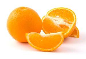 Naranjas cortadas preparadas para comer